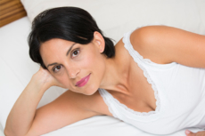 Bei vielen Frauen treten vor der Menstruation PMS Beschwerden auf.