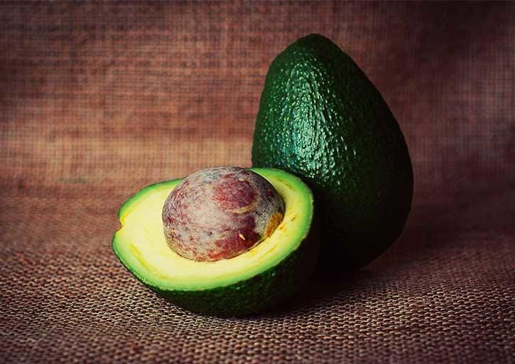 Avocado ist bei veganer Ernährung ein nützlicher Nährstofflieferant
