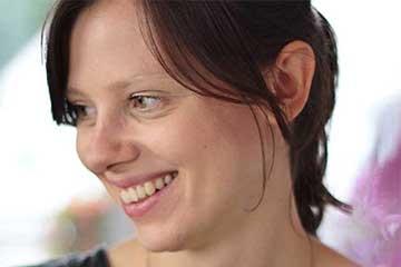 Ein Porträt von Maggie, eine erfahrene NFP Anwenderin.