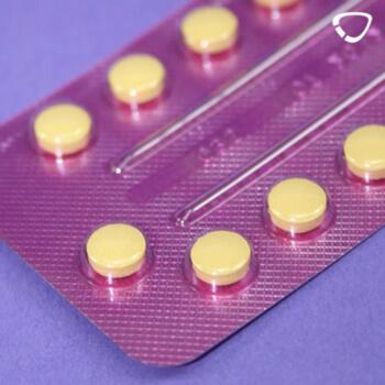 Die Pille im Blister verursacht Nebenwirkungen.